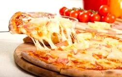 Hawaiische Pizza stockfotografie