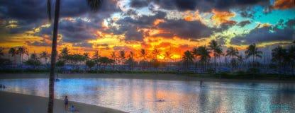 Hawaiischer Sonnenuntergang Hilton Rainbow Towers Lizenzfreies Stockbild