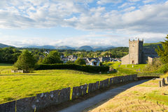 Hawkshead See-Bezirk England Großbritannien auf einem schönen sonnigen Sommertagespopulären touristischen Dorf bekannt für Willia Lizenzfreie Stockbilder