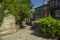 Haworth gataplats som är västra - yorkshire, England Royaltyfri Fotografi