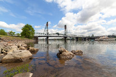 hawthorne моста над willamette реки стоковые фотографии rf
