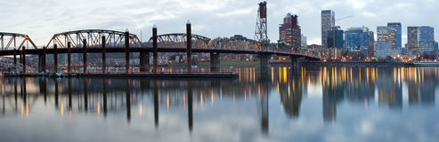 Hawthorne Bridge Over Willamette River at Dusk Stock Photography