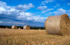 Hay Bale in der englischen Landschaft Stockfotografie