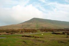 Hay Bluff y los faros de Brecon Fotos de archivo
