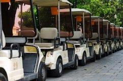 Hay estacionamiento del coche del golf Fotos de archivo libres de regalías