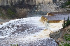 Hay River Louise Falls im Twin- Fallsschlucht-territorialen Park, Nordwest-Territorien, NWT, Kanada lizenzfreies stockfoto