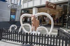 Hay Street Mall Bull Art-Installation Stockfotos