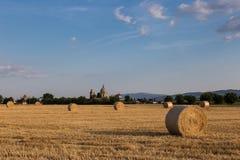 Haybales и Assisi Стоковая Фотография