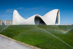 Haydar Aliyev Centre projetou pelo arquiteto Zaha Hadid Foto de Stock Royalty Free