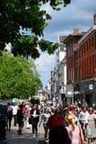 Haymarket, Norwich City centra-se, Norfolk, Inglaterra Imagem de Stock Royalty Free