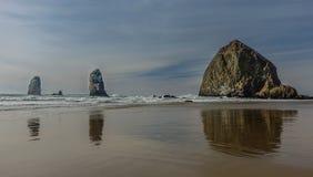 Haystack w działo plaży zdjęcia stock