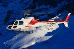 HB-ZNJ AS350B3 dallo swissheli fotografia stock libera da diritti