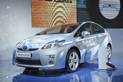 Híbrido del enchufe de Toyota PRIUS Imágenes de archivo libres de regalías