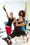 Hübsche Mädchen an der Gymnastik Lizenzfreie Stockbilder