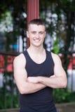 Hübscher Athletenmann in der Freizeit Lizenzfreie Stockfotos