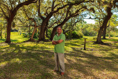 Hübscher hispanischer Mann Lizenzfreies Stockbild