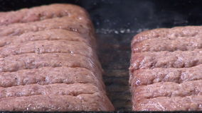 Hd - gehackte Rindfleisch-Kebabs stock video footage
