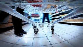 HD 4K+ (3840X2160) UHDTV: velocità veloce pazza del carrello del supermercato video d archivio