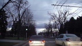 HD-timelapse av bilkörning på staden på natten stock video