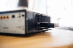 HDD en la caja del módem TV de Internet suministrada por el proveedor de Internet c Foto de archivo libre de regalías