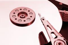 HDD - Uma movimentação de disco rígido vermelha está aberta Foto de Stock