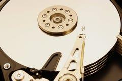 HDD - Una unidad de disco duro está abierta Fotos de archivo libres de regalías