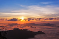 hdr μεγαλοπρεπής ανατολή βουνών τοπίων εικόνας στοκ εικόνα