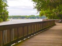 HDR Boardwalk przegapia jezioro zdjęcia royalty free