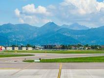 Hdr de piste d'aéroport de Bergame Orio Al Serio Photos libres de droits