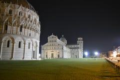 hdr dei baptistry башня Тоскана pisa аркады miracoli чуда Италии cathdral полагаясь квадратная Стоковое фото RF