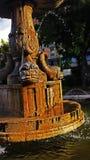 HDR fontanna z ryba, wod pluśnięciami i ptakami, Fotografia Stock