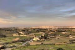 HDR-Foto von Malta-Landschaft von der Spitze der historischen Stadt Mdina in der Sonne des späten Nachmittages Lizenzfreie Stockfotos