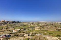 HDR-Foto von Malta-Landschaft von der Spitze der historischen Stadt Mdina in der Sonne des späten Nachmittages an einem sonnigen  Lizenzfreie Stockbilder