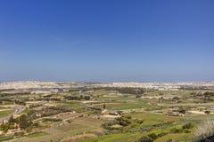 HDR-Foto von Malta-Landschaft von der Spitze der historischen Stadt Mdina in der Sonne des späten Nachmittages an einem sonnigen  Stockfotos