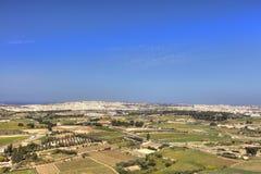 HDR-Foto von Malta-Landschaft von der Spitze der historischen Stadt Mdina in der Sonne des späten Nachmittages an einem sonnigen  Stockbild