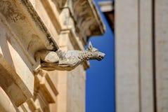 HDR fotografia historyczny kamienny gargulec na krawędzi starego domu w Mdina mieście, historyczny kapitał Malta Zdjęcia Royalty Free