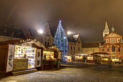 HDR fotografia pierwsi tradycyjni boże narodzenia wprowadzać na rynek przy Praga kasztelem za Wielkomiejską katedrą święty Vitus Obraz Royalty Free