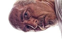HDR-Porträt des unrasierten älteren Mannes verbog vorbei stockfotografie