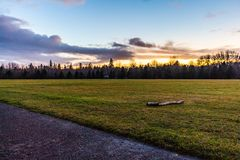 HDR solnedgånglandskap på Crystal Lake Sports Field i Corvallis Oregon arkivfoto