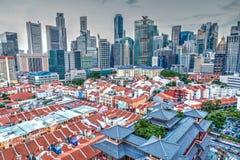 HDR tolkning av den Singapore kineskvarteret och horisont Royaltyfria Bilder