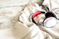 Hełmofony na białej kurtce Obraz Stock