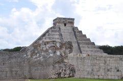 Head den Mayan Jaguar pyramiden fördärvar Arkivbilder