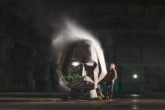 Head konst för gogolfesthangar som röker framsidan Arkivfoton