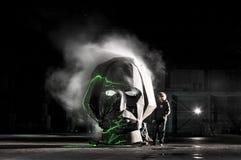 Head konst för gogolfesthangar som röker framsidan Royaltyfri Fotografi