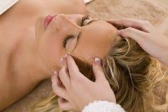 head koppla av för massage Arkivfoton