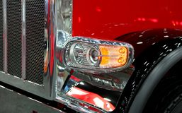 Free Head Lamp Of Classic Semi Truck Royalty Free Stock Images - 142596379
