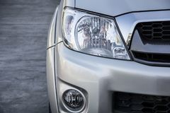 Head ljus för bil Arkivfoton