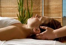 head massagen Fotografering för Bildbyråer