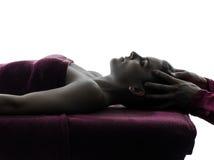 Head massageterapisilhouette Royaltyfri Foto