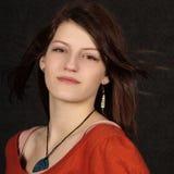 head rött tonårs- för flicka royaltyfri bild